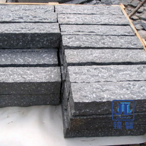 Popular Chinese Natural Stone Grey Granite Kerbstone for Road/Parking/Garden pictures & photos