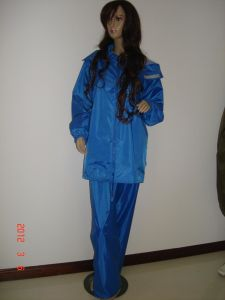 Very Good Water Resistant Raincoats for Adult! pictures & photos