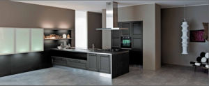 2015welbom Solid Wood Customized Kitchen Cupboard pictures & photos