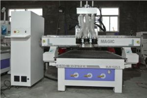 4*8FT Three Workstage/ Three Process/Three Tools/Spindles Atc CNC Router for Woodworking