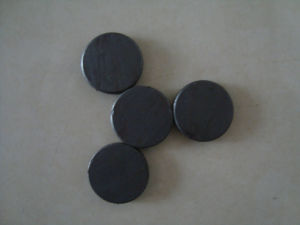 Magnet Expert Supplier Strong Ferrite Disc Magnets pictures & photos