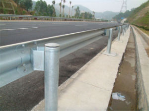 310X85X3 (4) X4320mm Galvanized Highway Steel Guardrail pictures & photos