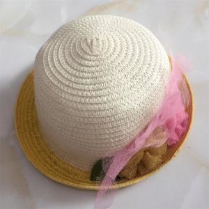 100% Straw Hat, Fashion Small Turnover Brim Style with Flower Ribbon Decoration for Children pictures & photos