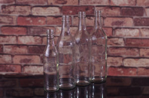 350ml Glass Rum Bottle pictures & photos