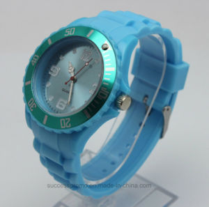 Custom Silicone Analog Wristband Watch for Promotion Gift pictures & photos