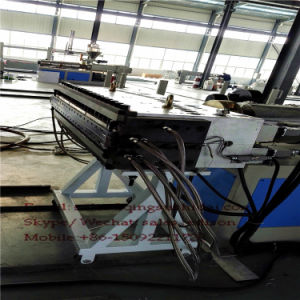 Popular 2017 PVC WPC Foam Floor Base Layer Machine with SGS TUV Ce pictures & photos