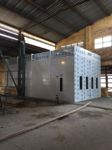 Best Quality Truck Spray Booth Btd-15-50-D pictures & photos