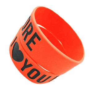 Customized Screen Printed One Inch Wide Silicone Wristbands pictures & photos