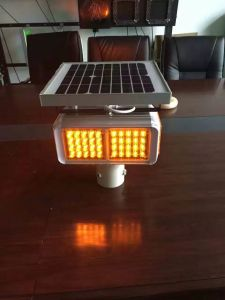 Traffic Security Warning Sign Flashing LED Solar Collision Avoidance Light pictures & photos
