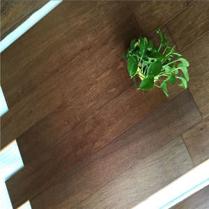Factory Price High Quality Smooth Walnut Engineered Wooden Floor pictures & photos