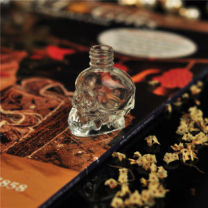 Skull Shaped 10ml 30ml 50ml 100ml Glass Perfume Bottle pictures & photos