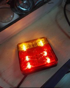 LED Tail/Stop/Turn Signal Reflector Lamp Lt-118 for Truck/Trailer/Caravan Emark, Adr, 3c Certificated pictures & photos