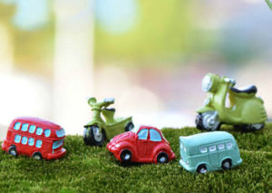 Newest Design Car Shape Resin Crafts pictures & photos