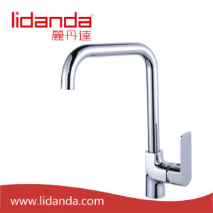 Contemporary Single Handle Kitchen Faucet with Chrome Finish pictures & photos