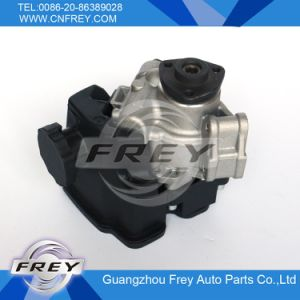 Power Steering Pump for Mercedes Benz 0024667501 pictures & photos