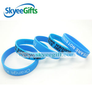 Solid Silicone Embossed and Debossed Wristband pictures & photos
