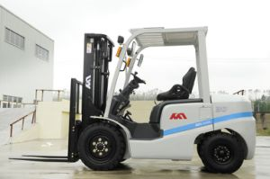 Promotional 3tons Forklift Truck, Diesel Forklift with Isuzu C240 Engines pictures & photos