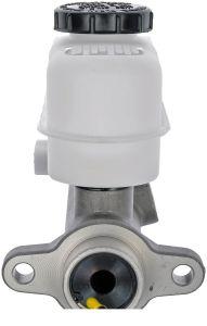 Brake Master Cylinder for Lincoln Blackwood Navigator F6tz-2140-Ba Yl1z 2140-AA F75z-2140- pictures & photos