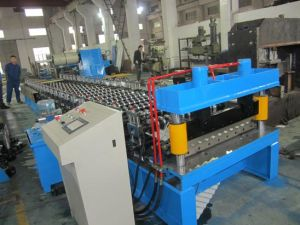 Corrugated Profile Roofing Sheet Roll Forming Machine By Chain pictures & photos