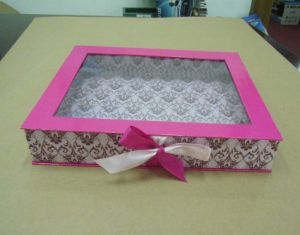 Paper Gift Box with Window pictures & photos