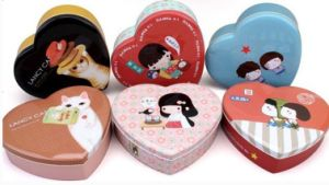 Red Heart Shaped Gland Tin Box for Chocolate Gift pictures & photos