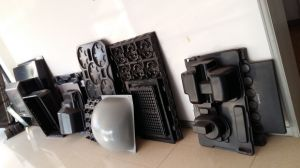Zs-3025 Thick Sheet Plastic Vacuum Forming Machine pictures & photos