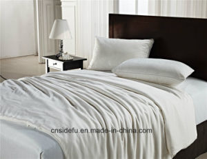 Luxury Home Hotel 100 Cotton Satin Chinese Bed Silk Quilt pictures & photos