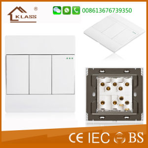 British Standard New Model Electronic Wall Switch Socket pictures & photos