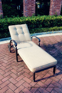 Outdoor Patio Garden Lawn Cast Alumnim Chaise Sun Lounge Furniture Chair with Wheels Side Tea Table pictures & photos