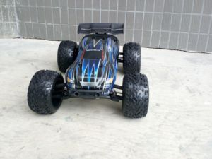 Waterproof & Brushless RC Electric Car for Oversea pictures & photos