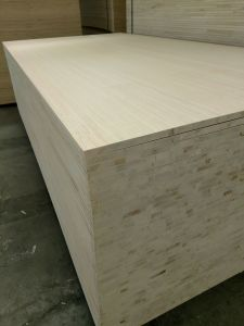 1220*2440mm Melamine Blockboard/Pine Blockboard for Furniture Usage pictures & photos