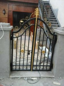 Wrought Iron Cheap Metal Gate pictures & photos