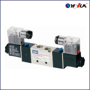 Solenoid Valve / Double Power (4V220-08) pictures & photos
