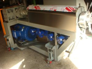 Movable Stripping Machine for Wire Extrusion Line pictures & photos