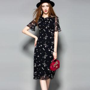 Ruffle Collar Short Sleeve Hollow Waist Lace Silk Women Dress pictures & photos