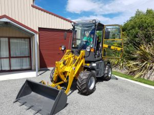 Hzm908 Jn908 Mini Wheel Loader Mini Wood Machine for Sale pictures & photos