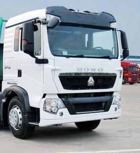 Low Density Powder Material Tank Truck pictures & photos