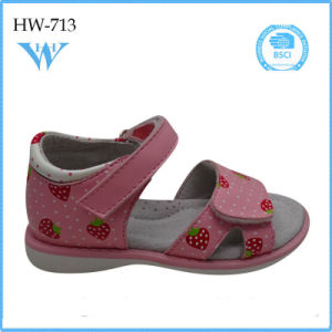 Cheap Price China Supplier Footwear for Kids Sandal pictures & photos