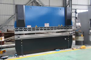 2 Axis Nc Hydraulic Press Brake/Bending Machine pictures & photos