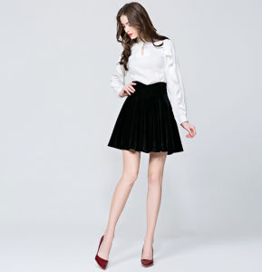 Spring Custom Hot Sale Newest Bust A-Line Drape Short Women′s Skirt pictures & photos