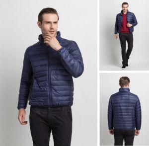 OEM New Design High Grade Windproof Plain Men′s Light Jacket with Zipper pictures & photos