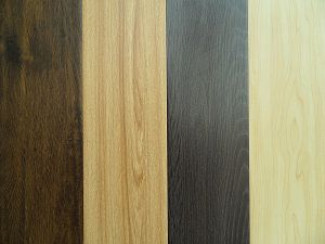 Zhuhai Cheap Factory Price AC4 HDF 12mm Laminate Flooring pictures & photos