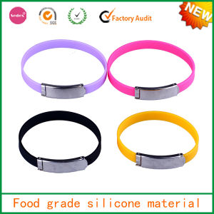 Accept OEM 2014 New Arrival Silicone Bracelet with Metal