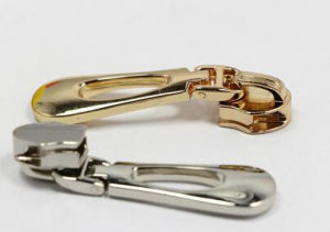 Zipper Factory of Metal Zipper Pull pictures & photos