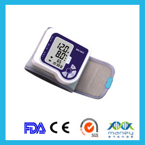 Ce Approved Automatic Wrist Type Blood Pressure Monitor (MN-MB-300B) pictures & photos