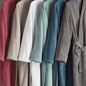 Highly Quality Colored Home Bathrobe pictures & photos