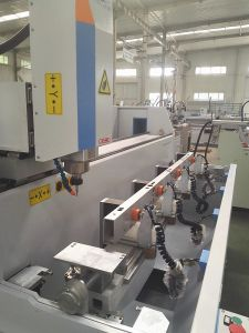 Aluminum Industry Profile Drilling Milling Tapping Machine for Aerospace Automotive Workpiece Processing pictures & photos