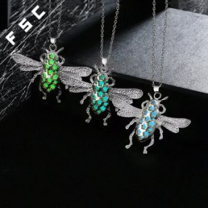 Silver Plated Insect Pendant Necklace Unisex Fashion Jewelry pictures & photos