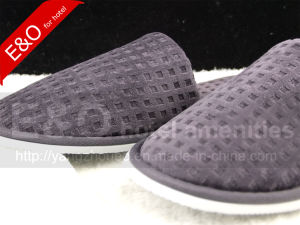 High Quality Cotton Hotel Slipper/Hotel Amenity Slipper/Indoor Slipper/Bedroom Slipper pictures & photos