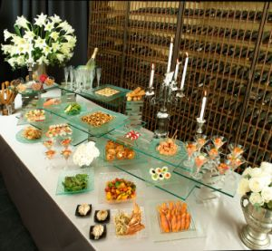 Buffet Food Glass Display Shelf with En12150 Certificate pictures & photos